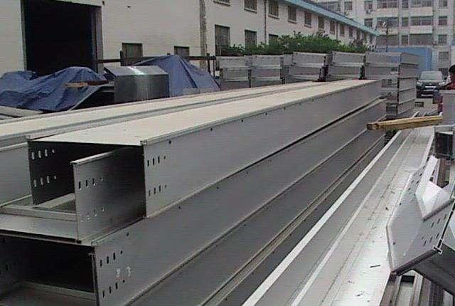 西安槽式桥架生产厂家