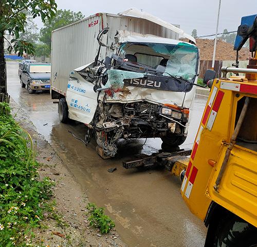 揭西道路救援 - 大型道路救援拖车