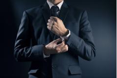 法律如何规定债务人死亡钱该谁还?