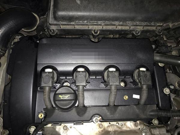 气门室盖垫漏油诊断维修