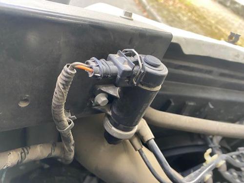 汽车碳罐电池阀噗噗异响检测诊断