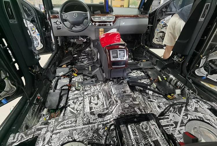 奔驰S350的底盘、尾箱隔音降噪施工过程——台州慧声汽车音响分享