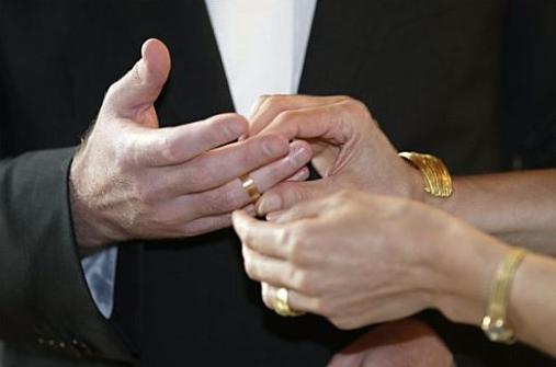我被丈夫婚内出轨,还飞速和小三领证 - 海口市私家侦探故事
