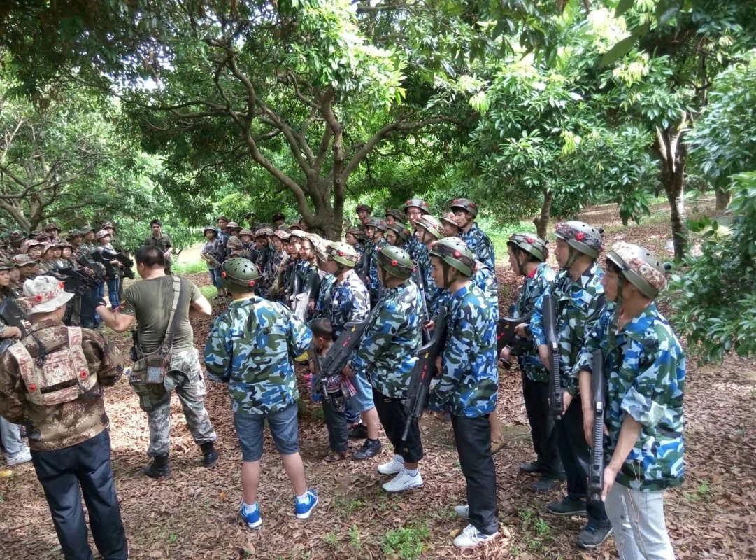 佛山拓展训练对团队来说是团队精神的训练培养团队成员的合作能力