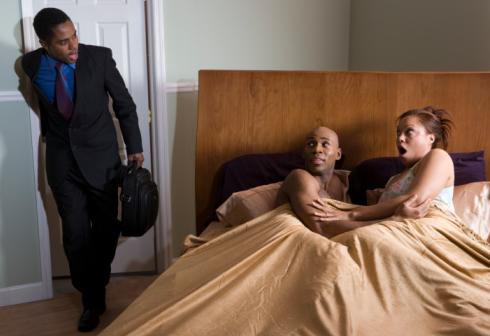 《深圳婚姻调查》老公有婚外情怎么办?分析老公有婚外情怎么解决
