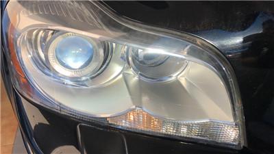 中山车灯沃尔沃XC90大灯表面翻新案例