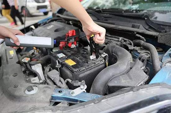 车没电打不着火,怎么办?汽车救援网给你们介绍!