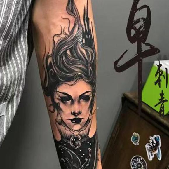 《厦门纹身店》手臂肖像纹身