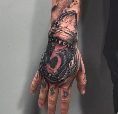 《厦门手背纹身》蟾蜍纹身图案