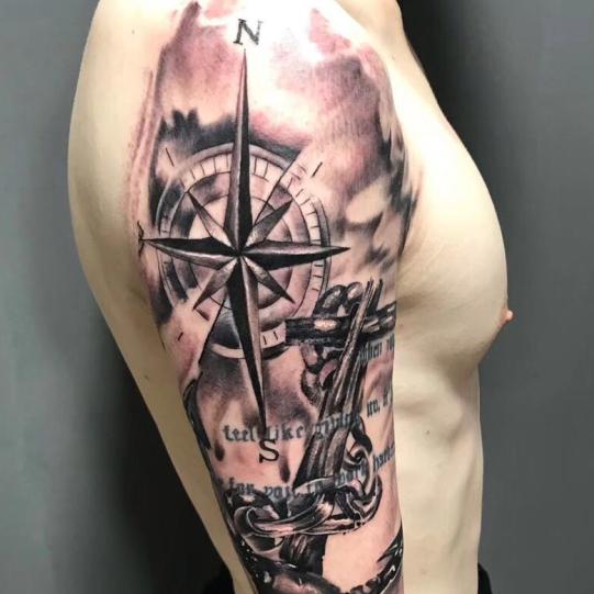 《厦门大臂纹身》欧美大臂纹身图案