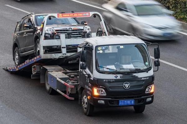 青岛道路拖车汽车转向助力油的更换方法和注意事项