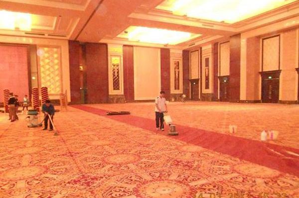 广州地毯清洗保洁服务