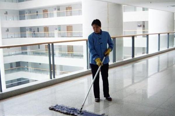 广州保洁公司在工作中有哪些特点?