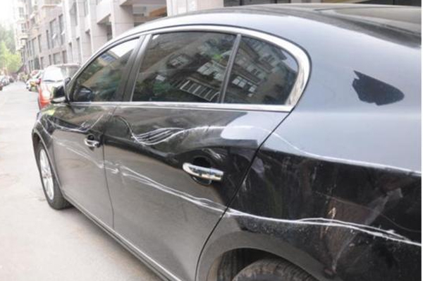 青岛汽车救援教你修复车身划痕三大方法