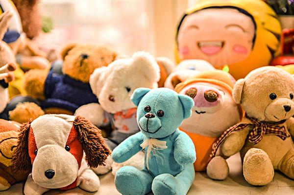 广州清洁公司对不同材质玩具的保养方法