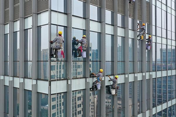 广州外墙清洁如何保证外墙清洗的安全性