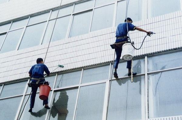 广州办公室外窗清洗怎么做!
