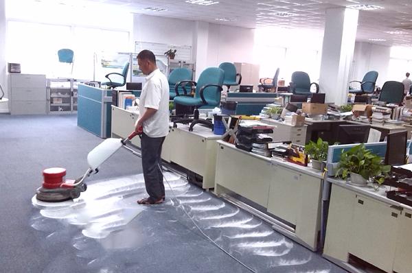 广州办公室地毯如何清洗